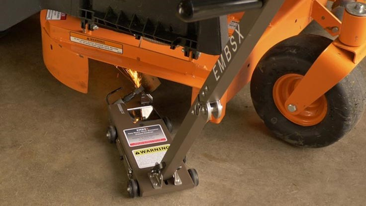 Noracore releases new blade sharpening technology - Lawn