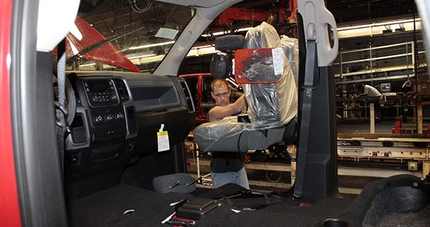 chrysler boosts truck production for ram 1500 with. Black Bedroom Furniture Sets. Home Design Ideas